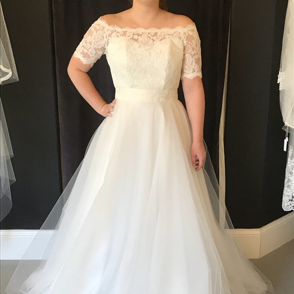 ed267797a5389 Jennifer Wedding Dress by Aria Boutique